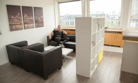 Lounge Ecke mit Sesseln und Couch